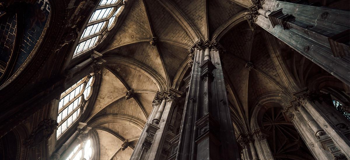 Gothic Restaurant Interior : Identity of classic interior design gothic style